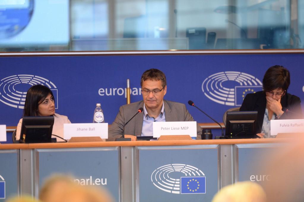 20191015-EU Parl-Forum Globe-CoR035