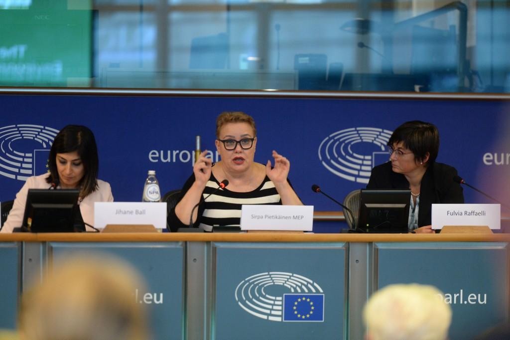 20191015-EU Parl-Forum Globe-CoR053