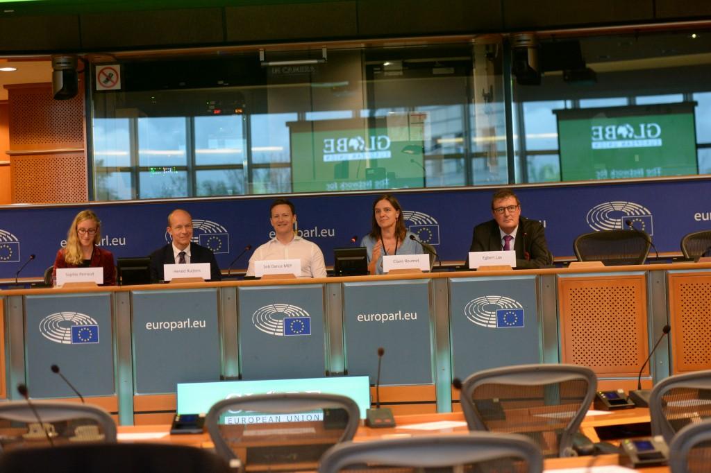 20191015-EU Parl-Forum Globe-CoR074